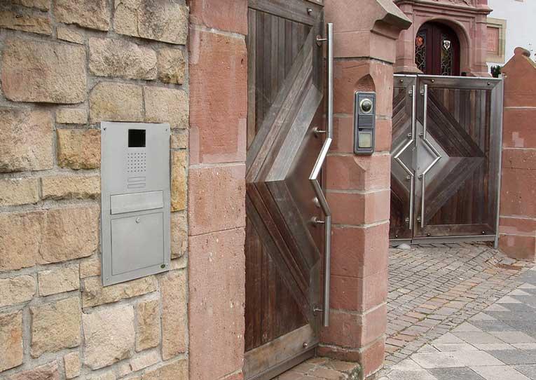 Mauerdurchwurf Briefkastenanlagen von allebacker Schulte