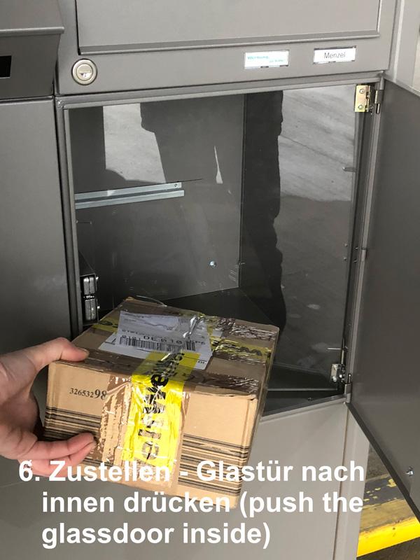 Parcel-Box plus Briefkasten Schritt 6: Zustellen - Glastür nach innen drücken