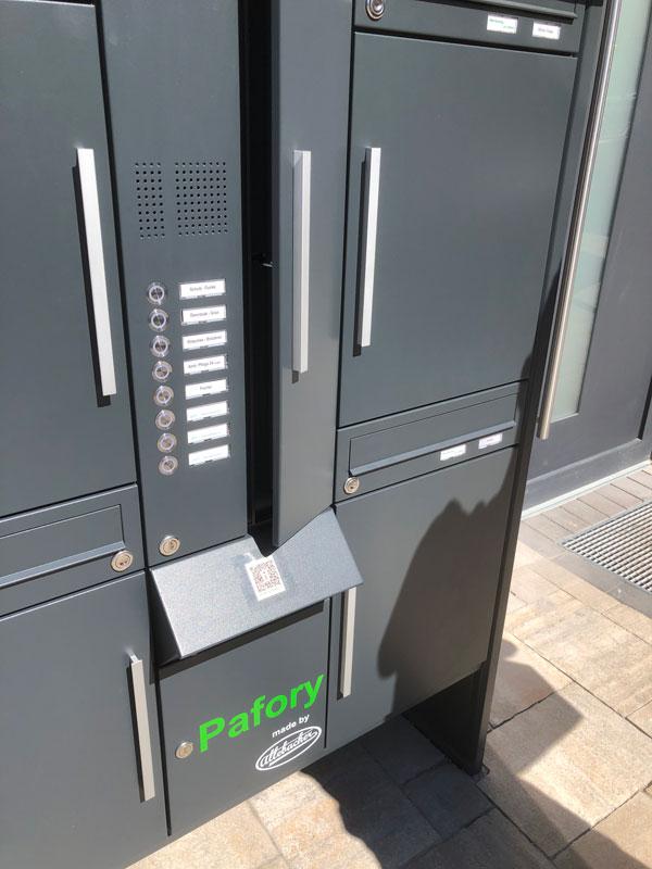 """Parcel-Box Paketbriefkasten Paketkasten - Briefkasten Kombination """"pafory"""" Schritt 3: Tür öffnen"""